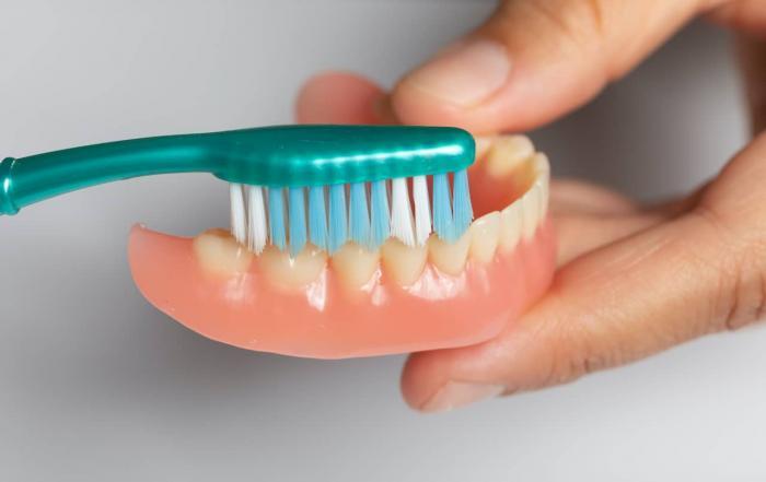 how to whiten dentures
