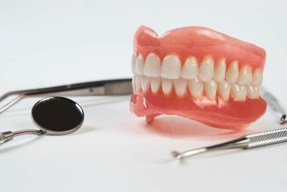 emergency denture repair