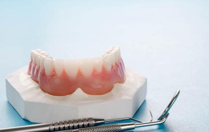 horseshoe upper denture