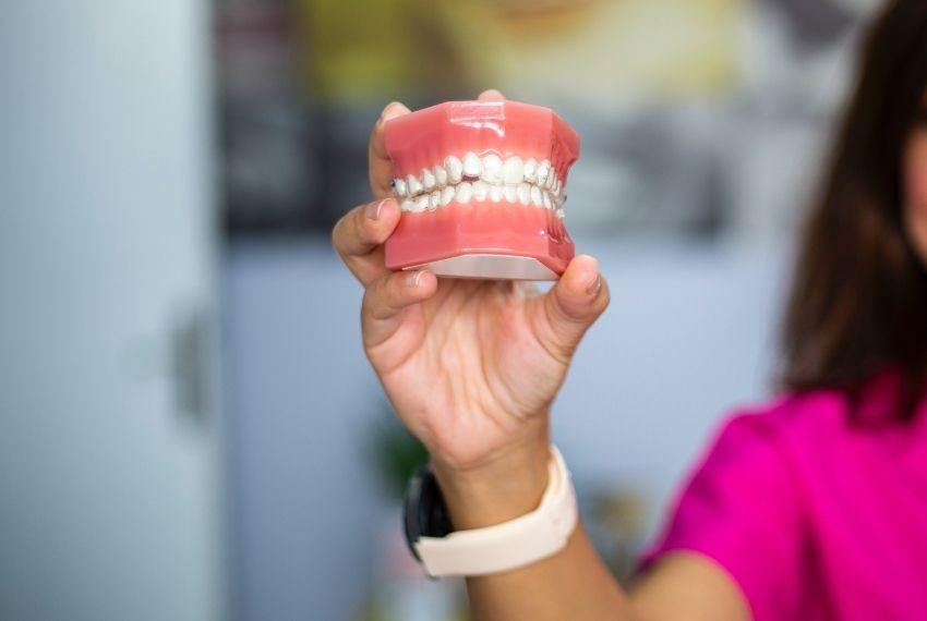 make comfortable dentures